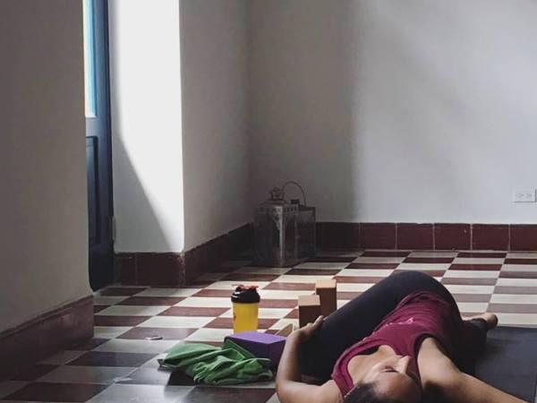 Student in twist in Detox Yoga, Casco Viejo, Casco Yoga, Panama