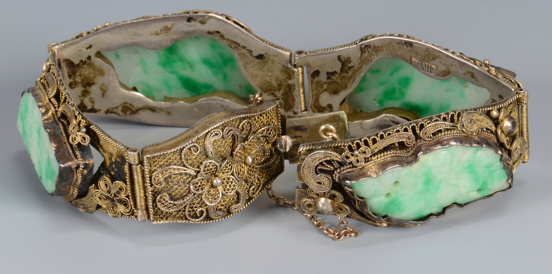 Lot 3594153 Gold and Jade Jewelry with dragon design