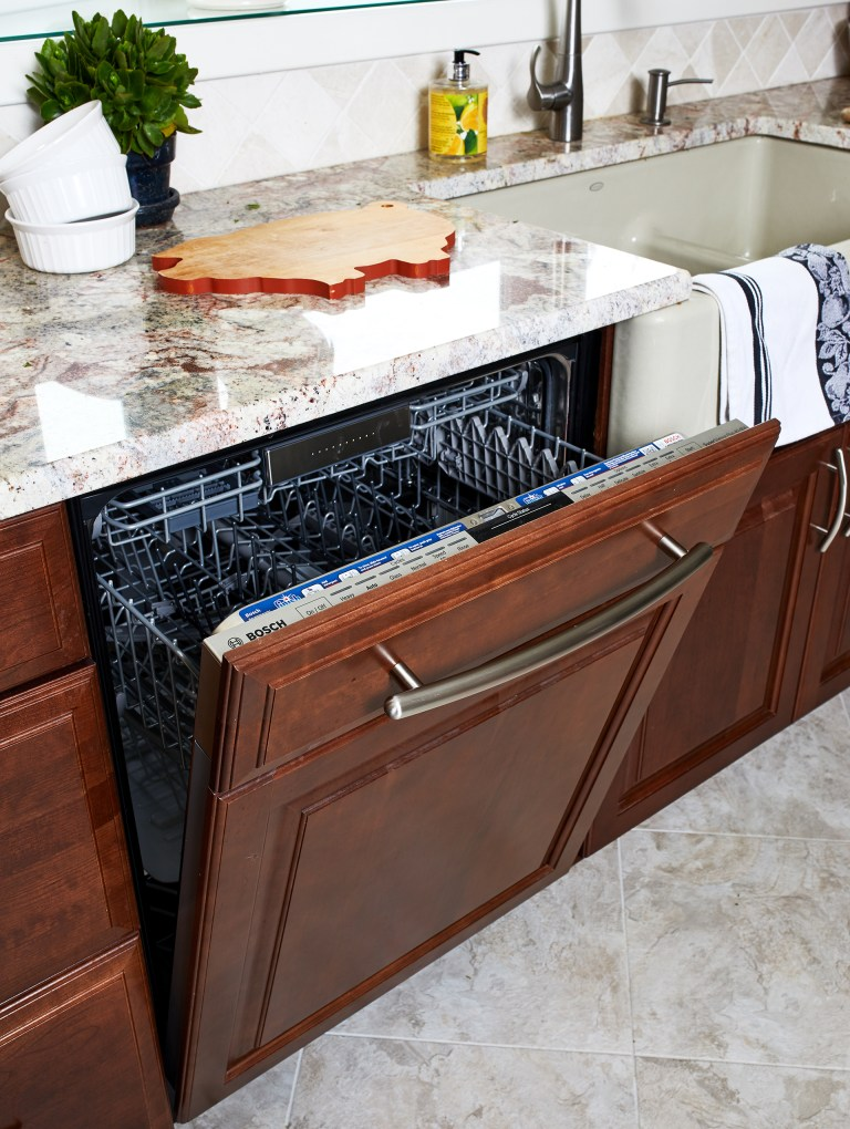 traditional kitchen design with hidden dishwasher