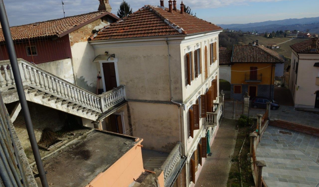 case-in-piemonte-piedmont-real-estate-special-occasion-hilltop-village-12