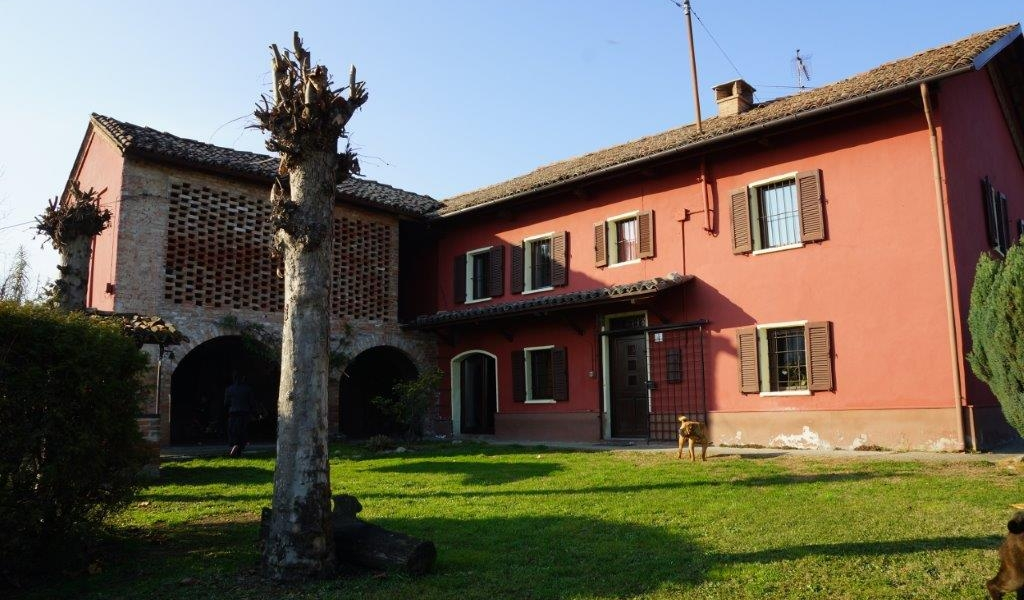 Lovely classical cascina
