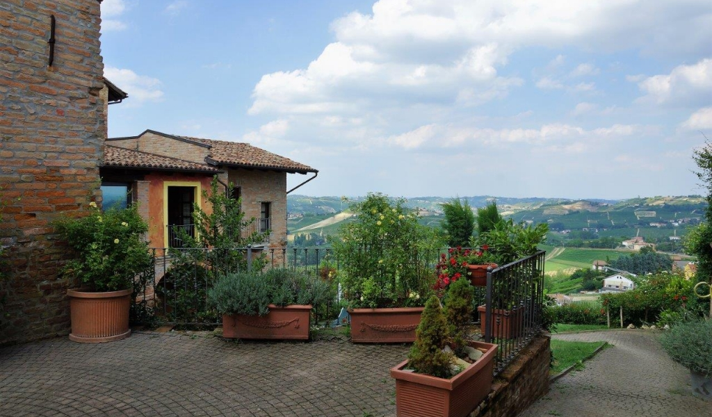 case-in-piemonte-piedmont-real-estate-classical-village-house-005