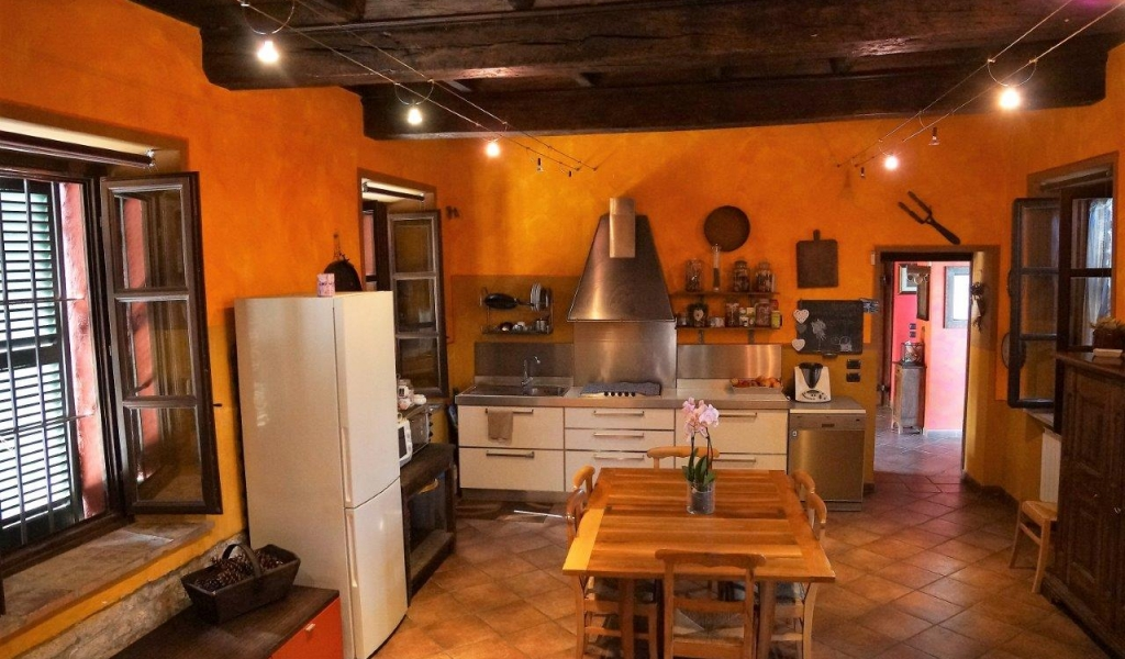 case-in-piemonte-piedmont-real-estate-classical-village-house-012