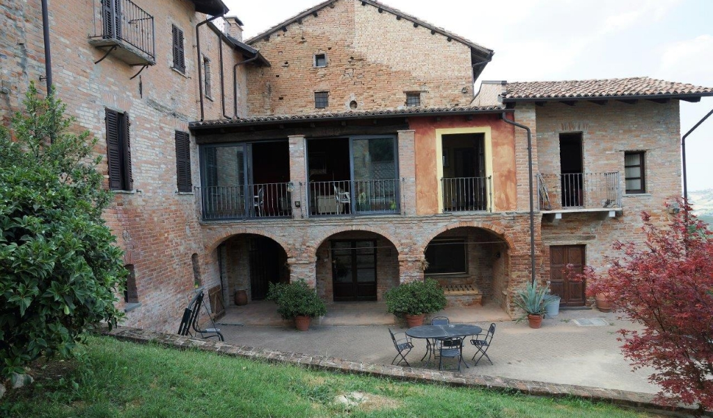 case-in-piemonte-piedmont-real-estate-classical-village-house-027