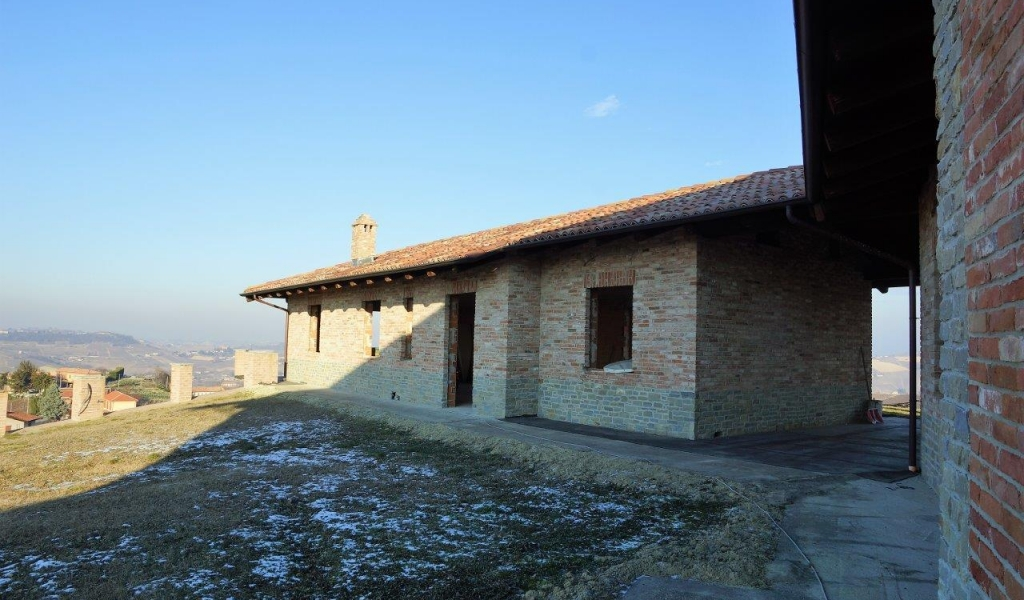 case-in-piemonte-piedmont-real-estate-magnificent-casale-breathtaking-position-016