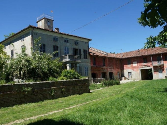 case-in-piemonte-piedmont-real-estate-magnificent-ancient-casale-vaste-grounds