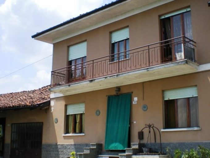 case-in-piemonte-piedmont-real-estate-panoramic-house-village-003