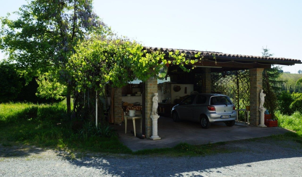 case-in-piemonte-piedmont-real-estate-property-surrounded-by-vineyards-009