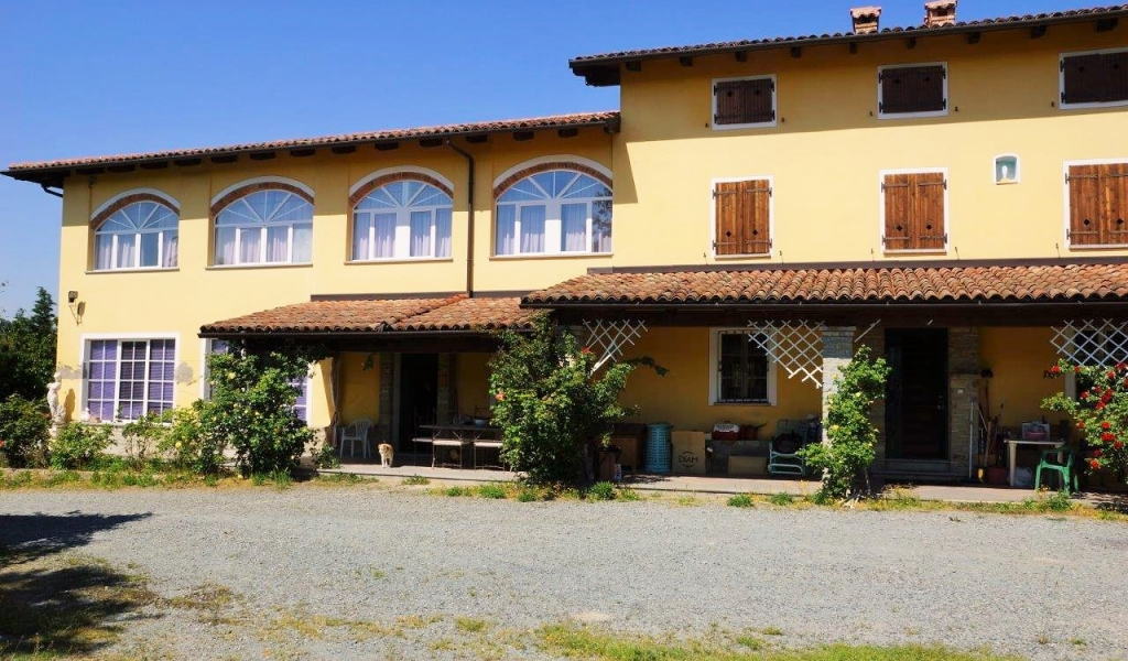 case-in-piemonte-piedmont-real-estate-property-surrounded-by-vineyards-010