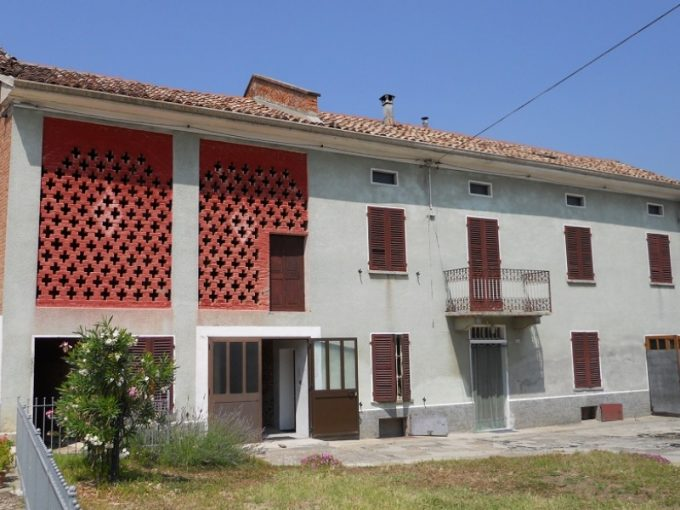 case-in-piemonte-piedmont-real-estate-panoramic-cascina-with-rustico-10