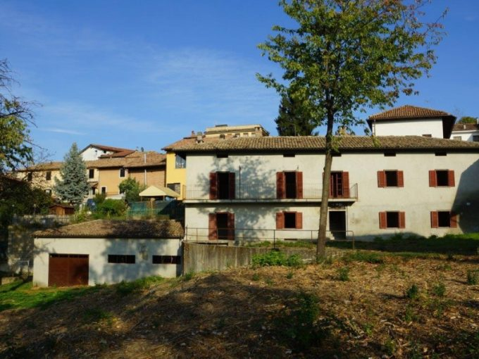 case-in-piemonte-piedmont-real-estate-cascina-hilltop-village