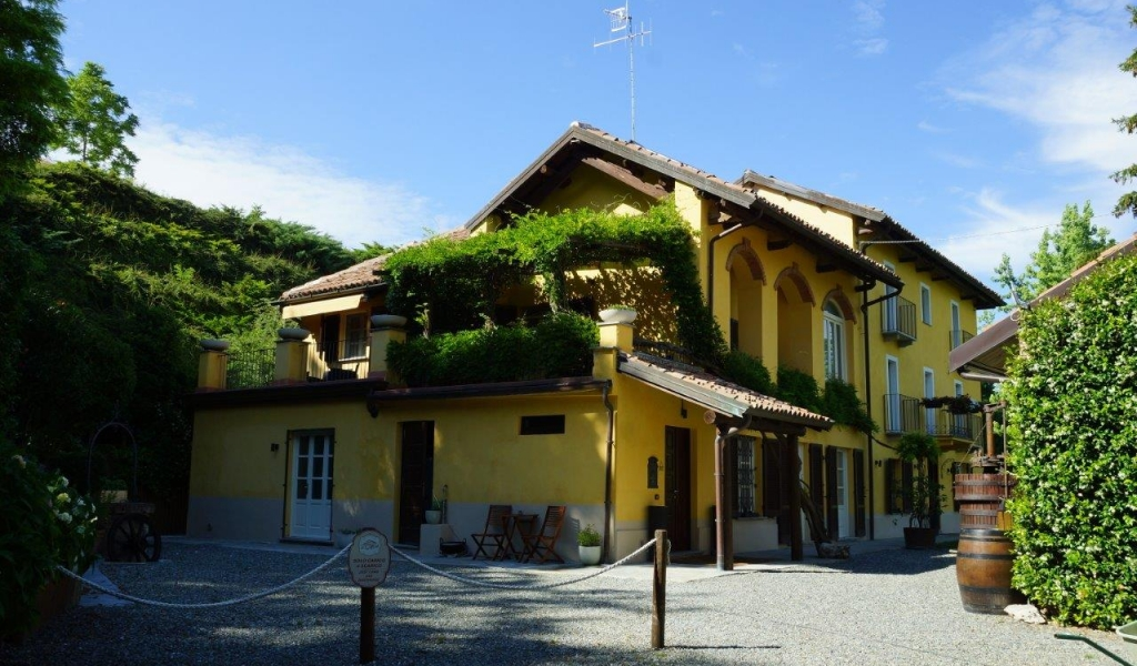 case-in-piemonte-piedmont-real-estate-amazing-cascinale-outside-canelli-17