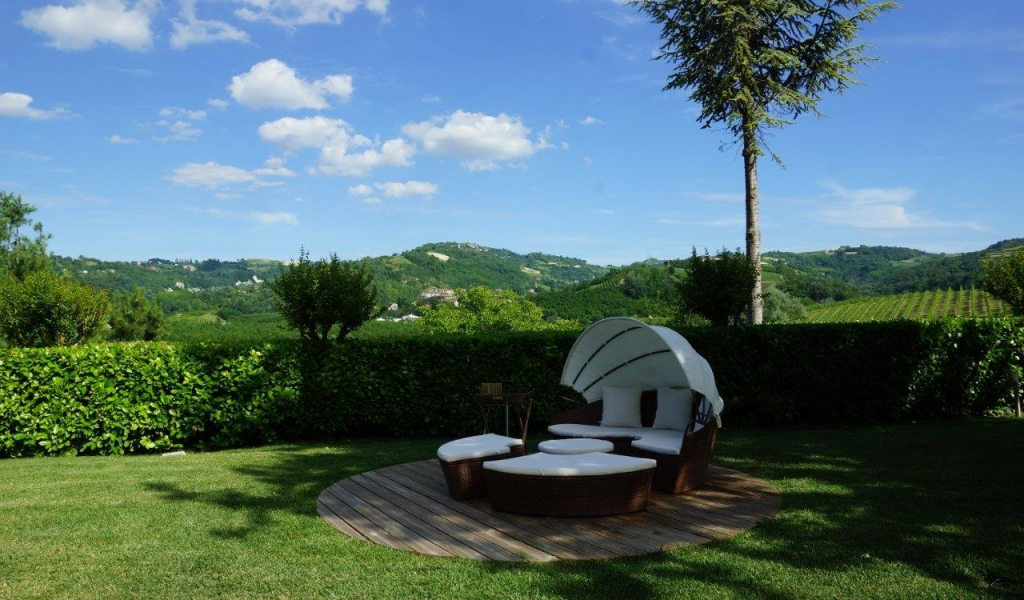 case-in-piemonte-piedmont-real-estate-amazing-cascinale-outside-canelli-19