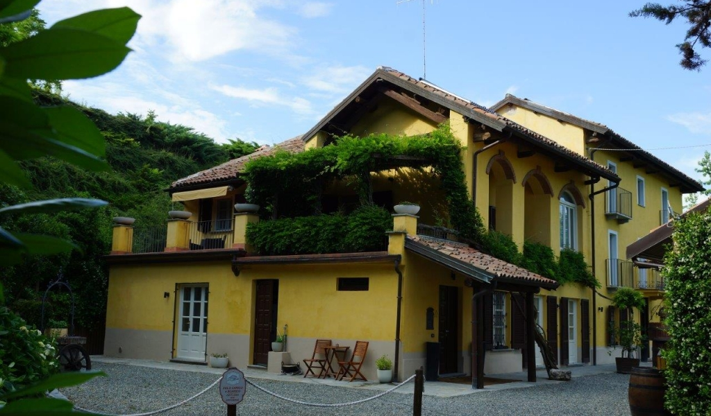 case-in-piemonte-piedmont-real-estate-amazing-cascinale-outside-canelli-21