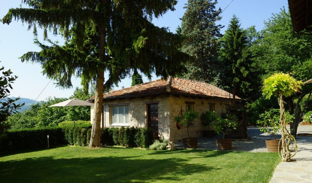 case-in-piemonte-piedmont-real-estate-amazing-cascinale-outside-canelli-29
