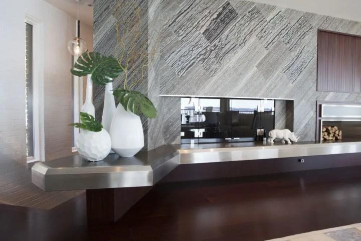 Cinci sfaturi pentru improspatarea casei tale - oglinda pe hol pentru mai mult spatiu si lumina