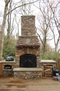 How to build an outdoor stone fireplace step by step