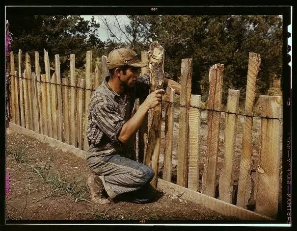 Modele de garduri rustice din lemn de diferite forme