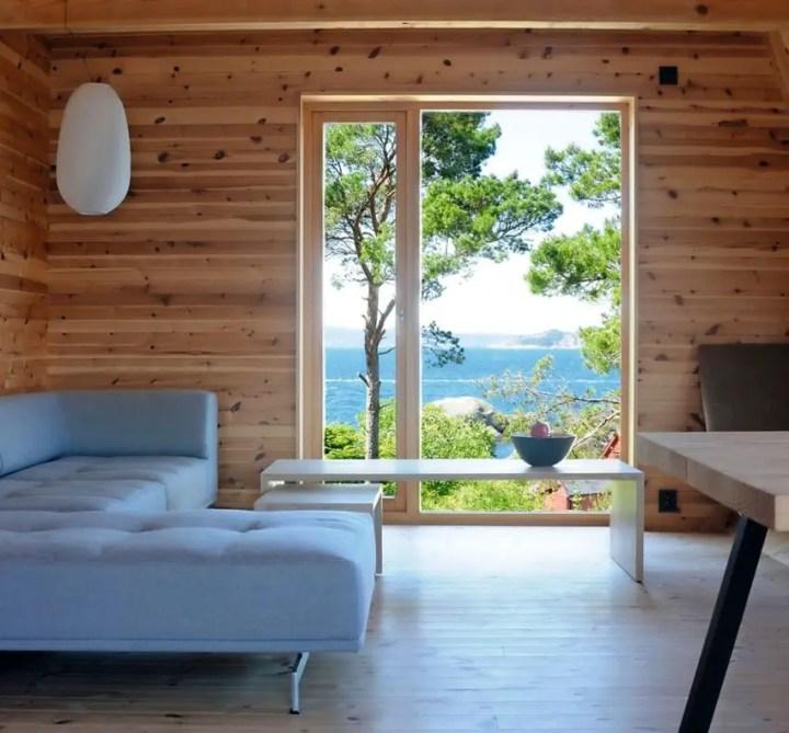 Casa de pe stanca din fiord