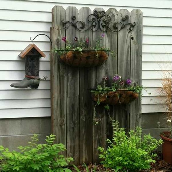 Decoratiuni de gradina din lemn frumoase