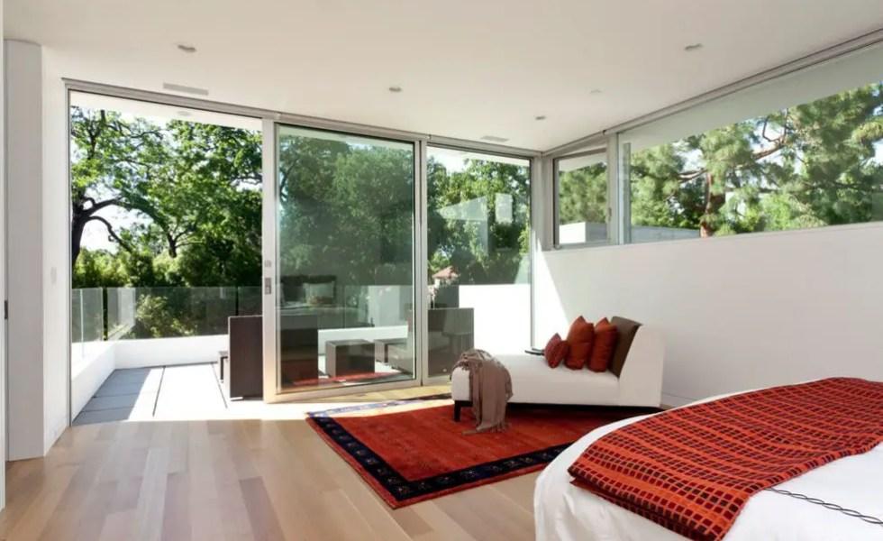Usi glisante pentru bucatarie, debara si balcon frumoase