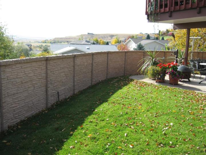 Garduri placate cu piatra decorativa frumoasa