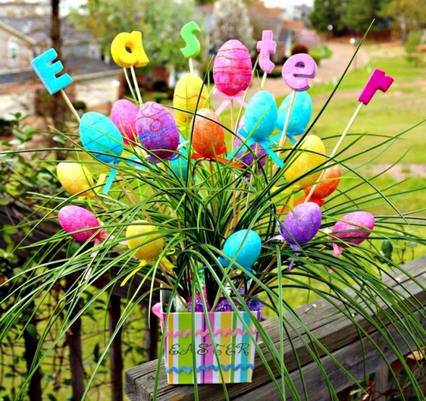 decoratiuni de paste in gradina Outdoor Easter decorations 4