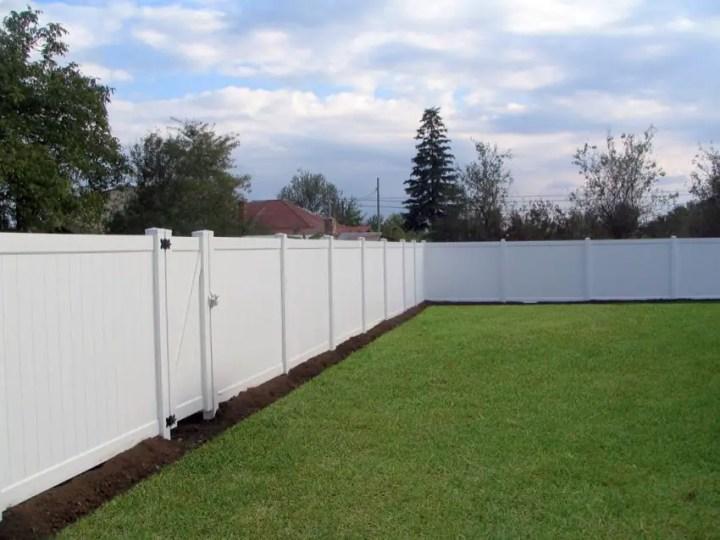 Garduri din PVC - modele variate