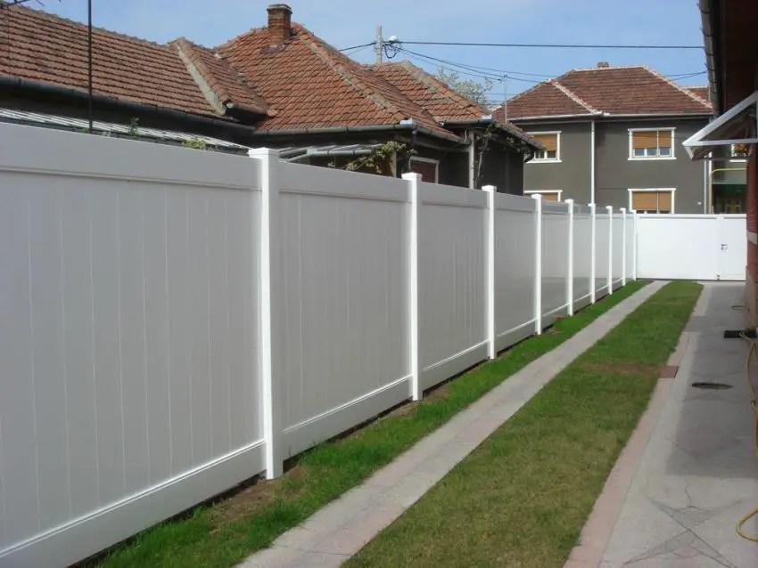 Garduri din pvc avantaje si costuri case practice for Modeluri de case