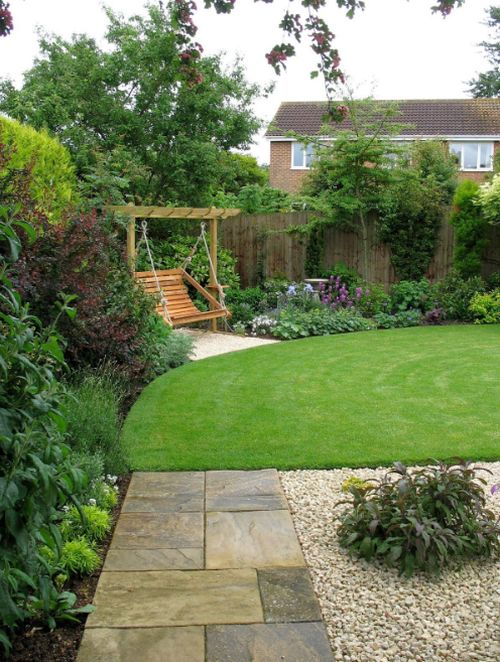 gradini amenajate cu gazon si flori Flower and lawn landscaping ideas 2