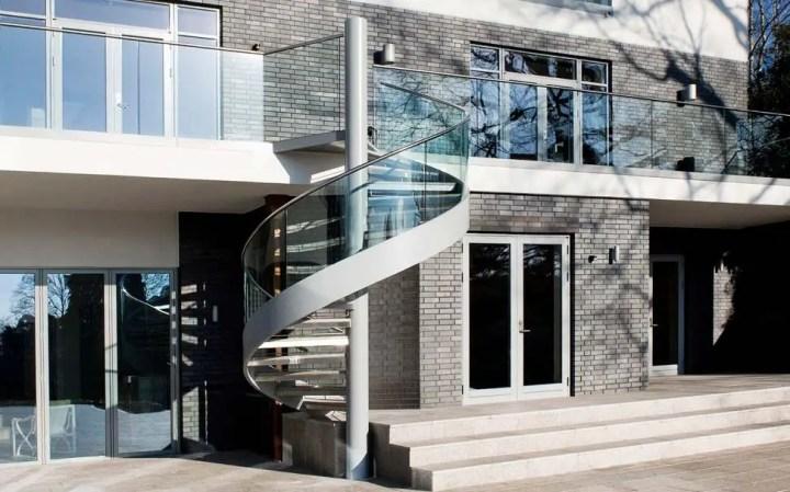 case cu mansarda si scara exterioara Attic houses with exterior stairs 16