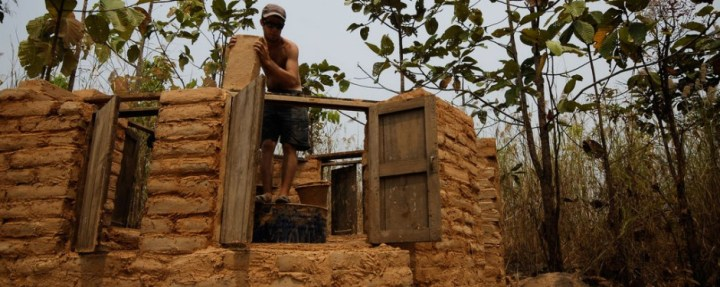 cum se construieste o casa din chirpici how to build an adobe house 4