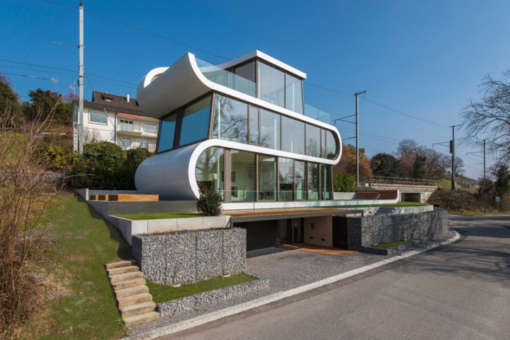 Casa flexibila - patru nivele, dintre care unul este rezervat unui garaj