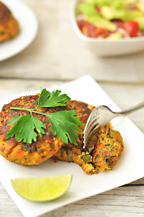 salmon-quinoa-fish-cakes