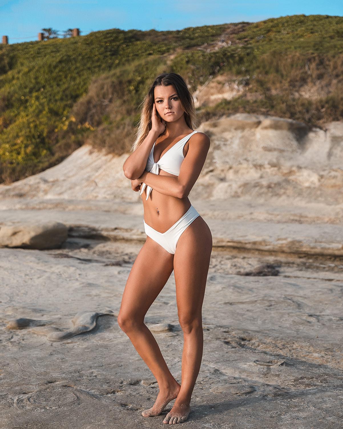 livroyalty bikini