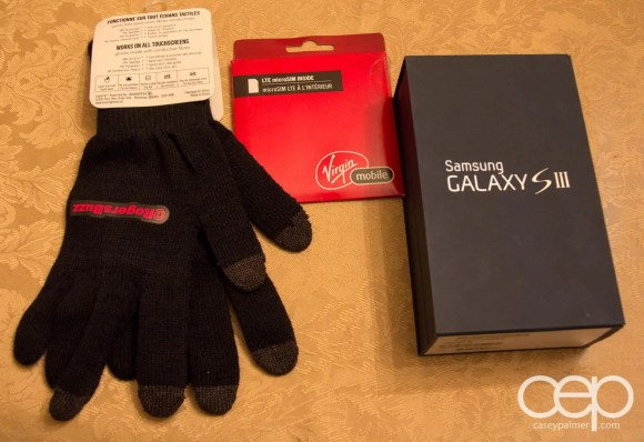 Rogers texting gloves, Samsung Galaxy S III 16 GB