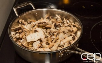 #DIYSandwich — Quick and Easy Summer Burger — Mushrooms — Mushrooms in the Pot
