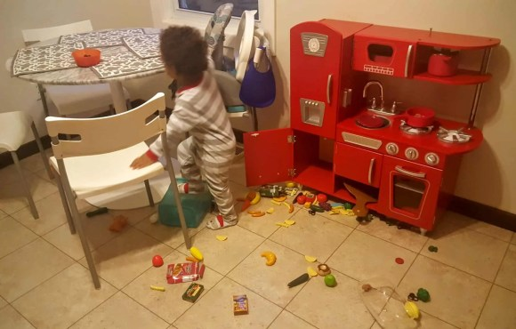 """Saying """"Yes"""" to the Mess — How Swiffer Helps with the Hot Mess of Parenting — The Messy Play Kitchen"""