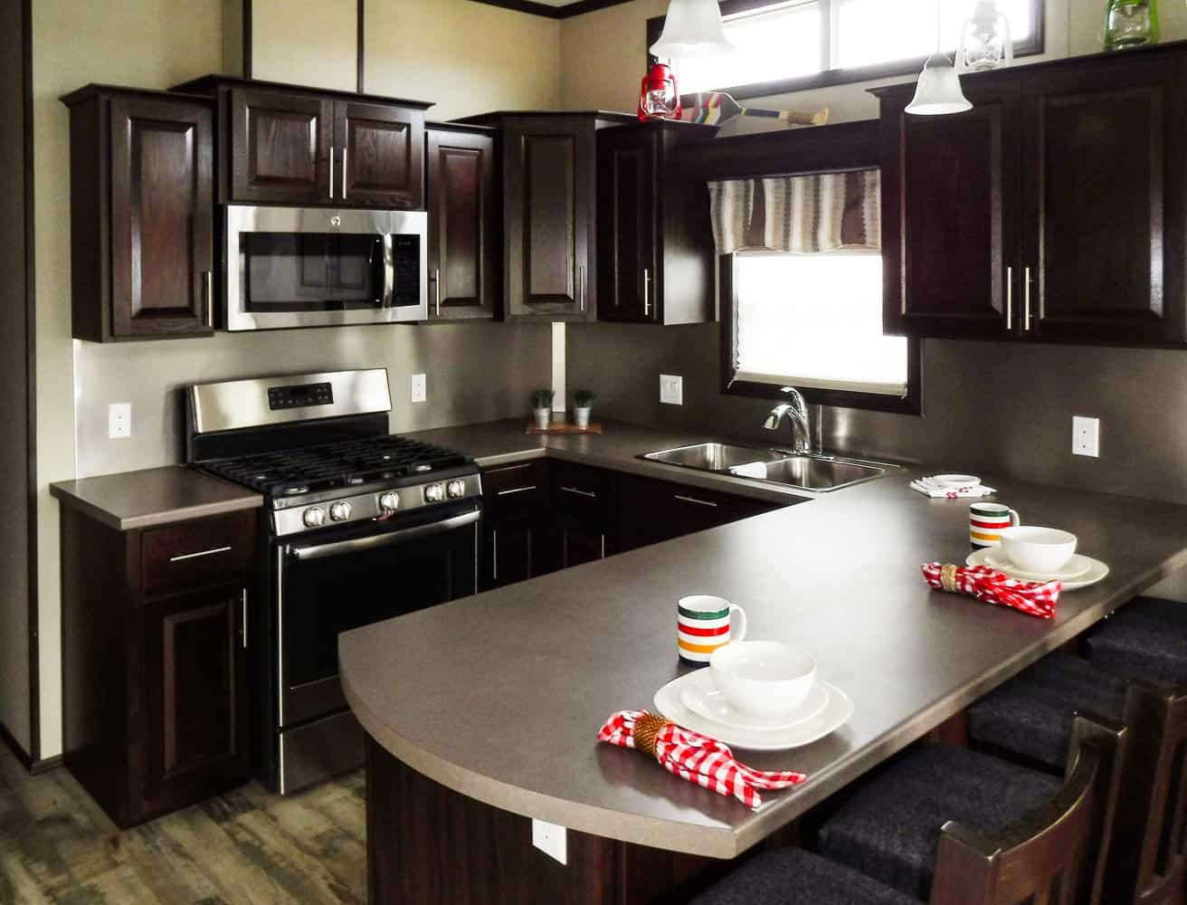 Make Vacay Matter More with Stays at Sherkston Shores! — Luxury Lakefront Rental Cottage Kitchen