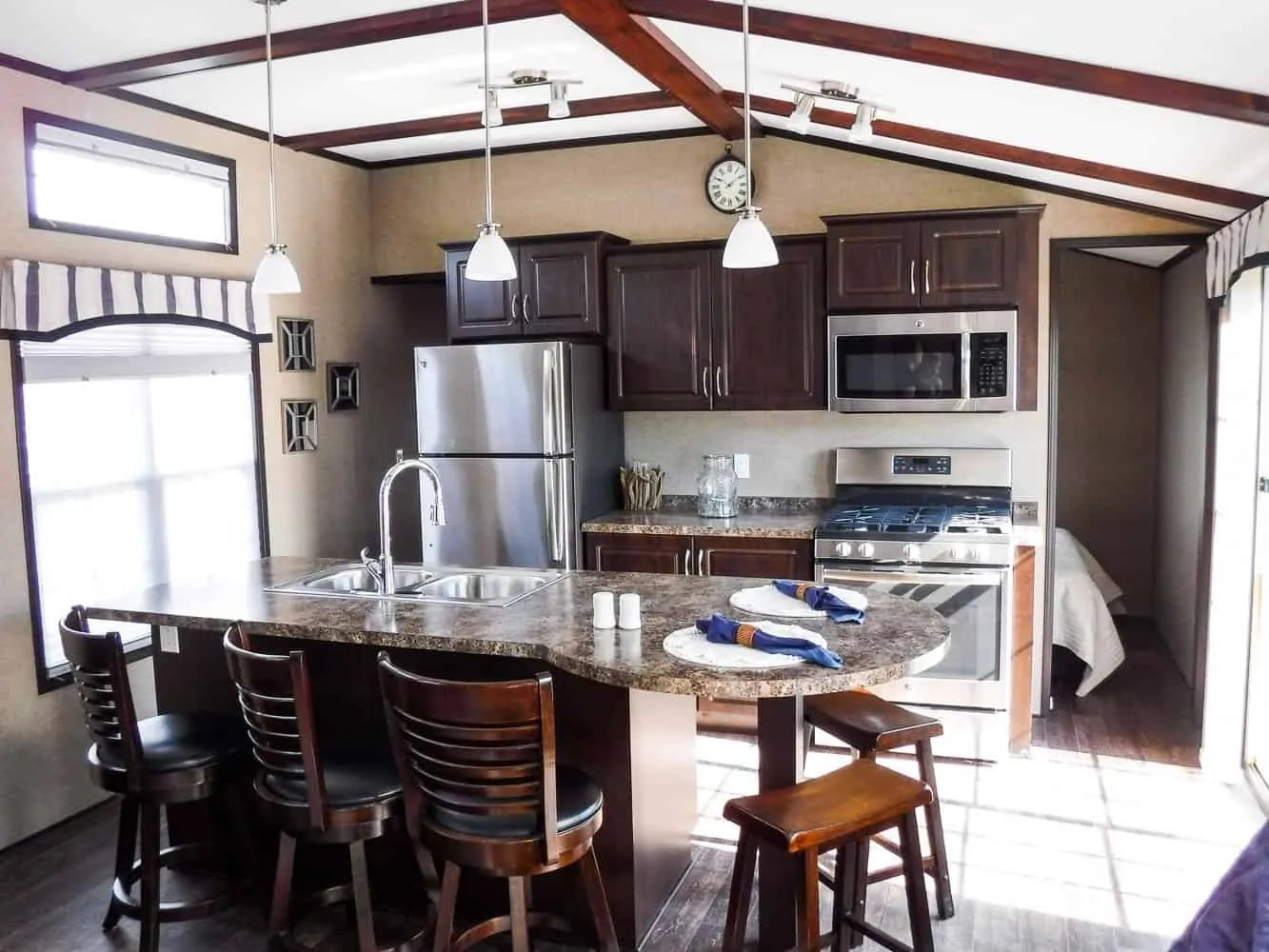 Make Vacay Matter More with Stays at Sherkston Shores! — Premium Rental Cottage Kitchen