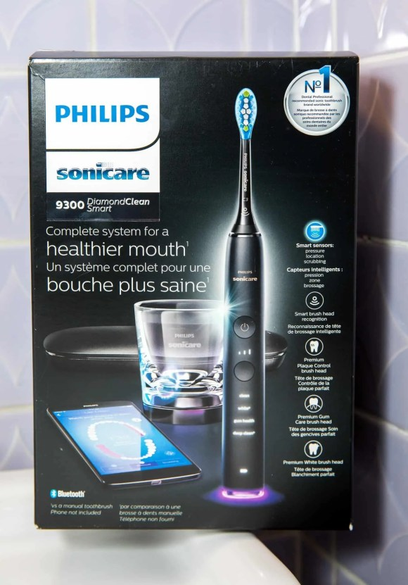 The Casey Palmer, Canadian Dad Christmas Gift Guide... for Grown-Ups!—Philips Sonicare 9300 DiamondSmart Clean—Packaging