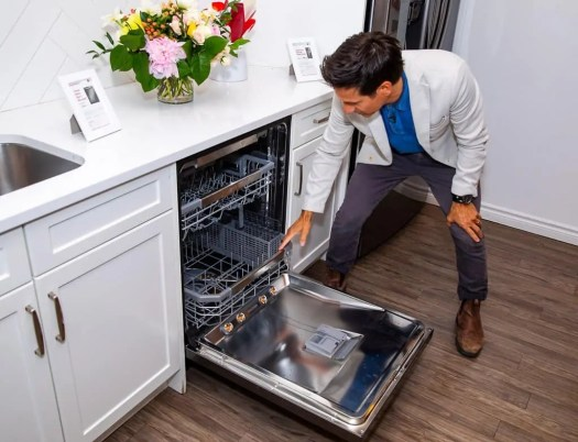 Making Kitchen Chores a BREEZE with the Power of LG! — Rick Campanelli Showing Off the LG QuadWash Steam Dishwasher