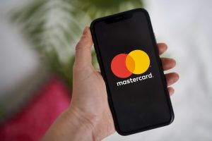106838891 1612999939238 gettyimages 1230784978 MASTERCARD EARNS scaled