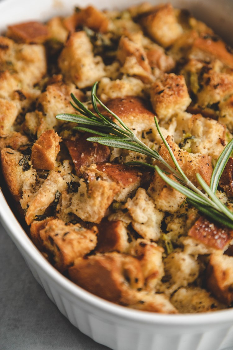Classic Stuffing Recipe by Cashmere & Cocktails