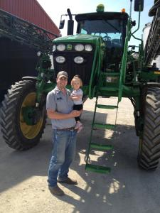 John has his helper Ella today to get the sprayer ready for this evening's work.