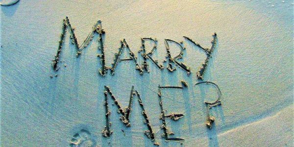 Y para cuándo criticamos el matrimonio_ Casi literal
