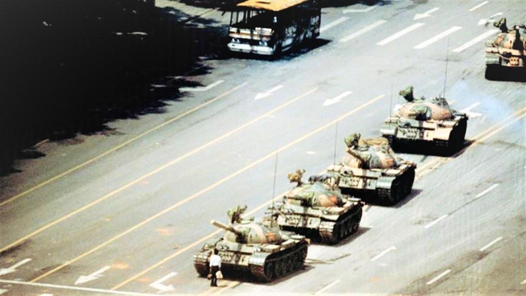 El hombre que detuvo un tanque_ Casi literal
