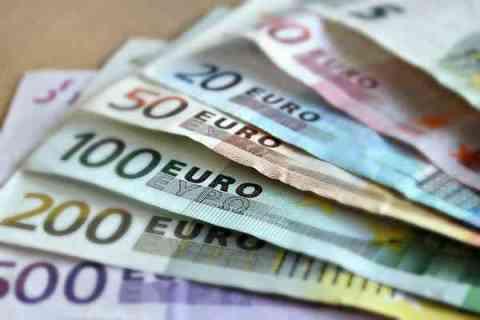 オンラインカジノの入出金はどうする?