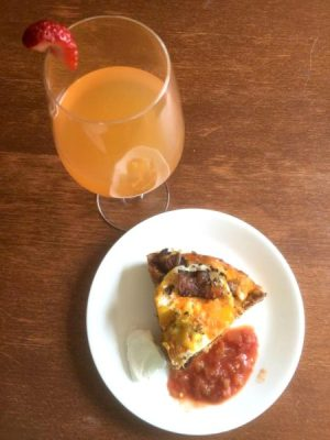 Tater Tot Breakfast Pie and Strawberry-Orange Mimosa