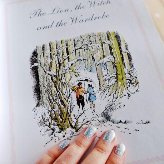 winter Narnia nail art